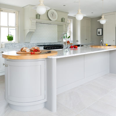 White and grey marble effect CRL QUartz Colorado surface on kitchen island